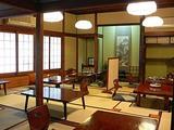 みなと横浜。明治創業の牛鍋の老舗荒井屋で牛鍋を。