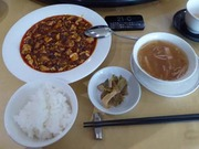 赤坂四川飯店の本店へ。定番の陳麻婆豆腐を食す。