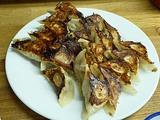 博多一口餃子食べ歩き。私はカリカリ好み。「旭軒」他