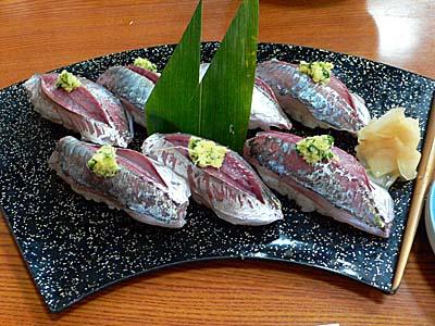 小田原だるま食堂のあじ寿司